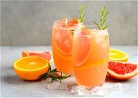 عصير الحمضيات الغني بالفوائد