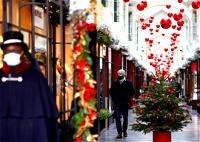 بالصور| لندن ترتدي حلّة الميلاد المجيد