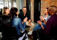 التّواصل.. أساس لتطوّر المُجتمع ونموّه