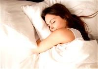الوسادة والنوم.. صديقان لبشرتك!
