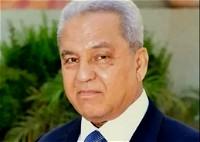 الخدم بالمقهى السياسي للرئيس| أحمد حازم