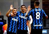 إنتر يحتفل بلقب الدوري الإيطالي بخماسية في سامبدوريا