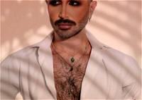 خبير التجميل سامر خزامي يطل بصور مثيرة للجدل