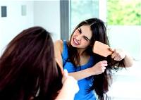 ما هي أسباب جفاف الشعر؟