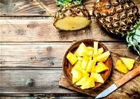 ما هي القيمة الغذائية للأناناس؟