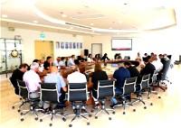 سخنين: اجتماع في البلدية وعرض مشروع الحلبة للتجديد