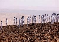 جلسة تصوير للعراة من أجل البحر الميت!
