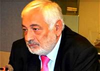 نجمةٌ شاردةٌ إليّ-  السفير منجد صالح