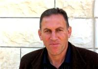 استهداف المؤسسات الفلسطينية/ بقلم: شاكر فريد حسن